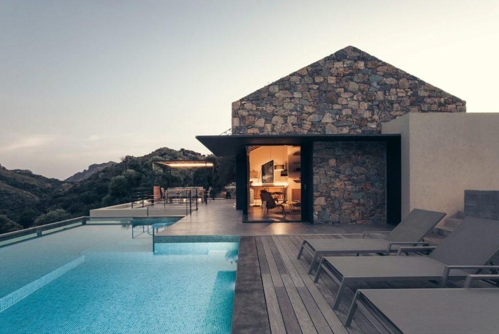 Enjoy Grecian Hillside Beauty At The Cretan Summer House