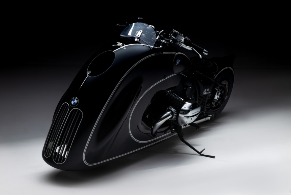 This Art Deco BMW R 18 from Kingston Custom is called the Spirit of Passion