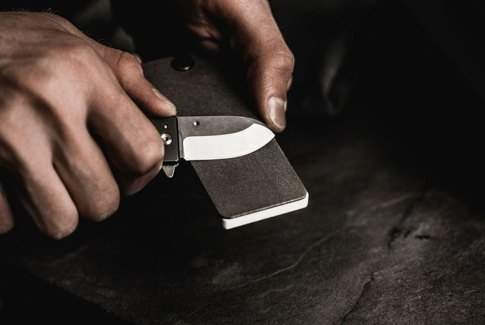 Keep Your EDC Blades Razor-Sharp With The WESN Pocket Sharpener